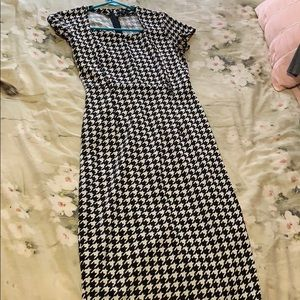 Houndstooth dress. Cute and comfortable.